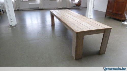 187992717-une-table-pour-concevoir-des-idees-folles-organiser-des-reu