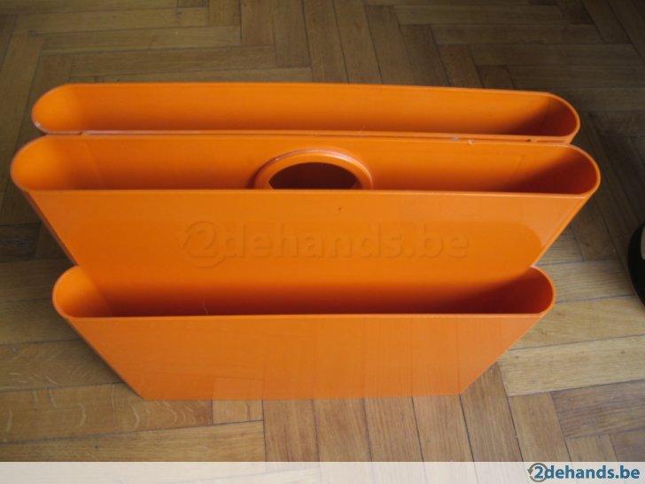 Kartell Krantenbak Orange